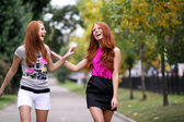 美しい赤い髪の女の子の肖像画 — ストック写真