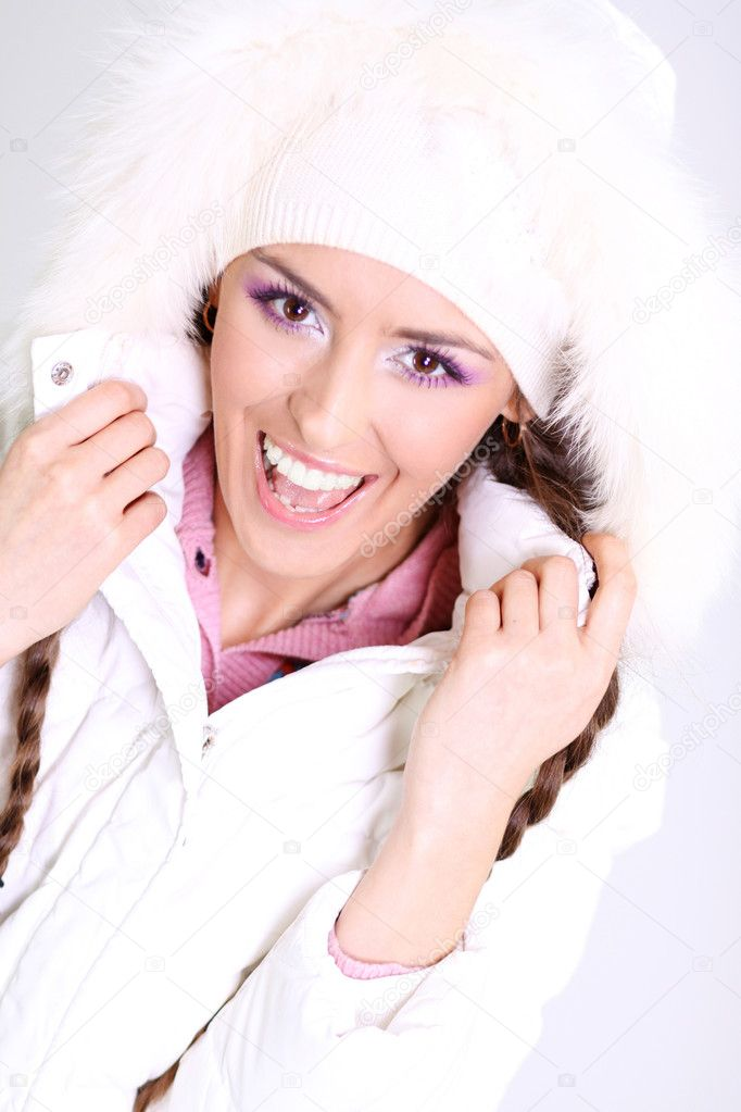Winter happy young woman — Stok fotoğraf #2546727