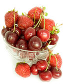 Cherries and strawberry — Stock Photo