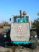Tracteur pour le travail dans le domaine — Photo