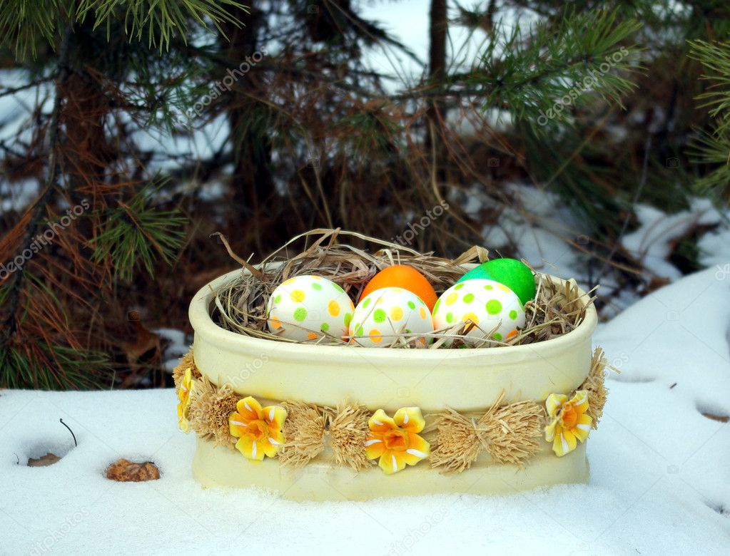 Easter eggs in spring forest — Stock Photo #1256381