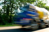 Caminhão com alta velocidade — Fotografia Stock