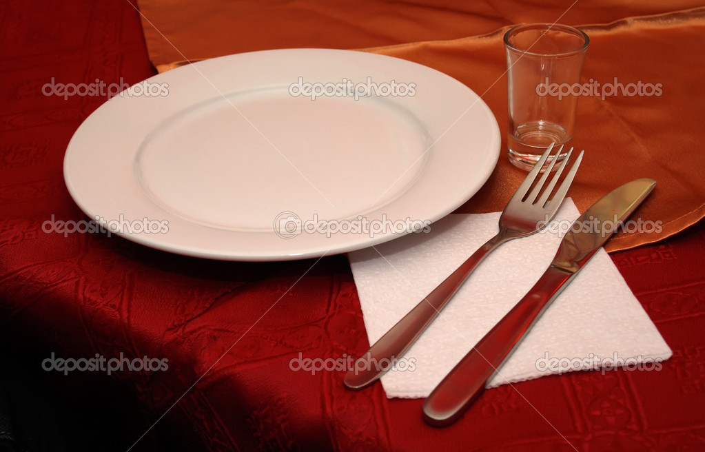 White dish with fork and knife  — Stock Photo #2634482