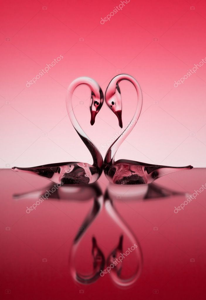 St. Valentine background with two glass swans — Lizenzfreies Foto #2634668