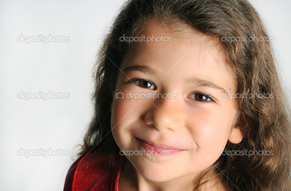 Little girl in red — Stockfoto #1167415