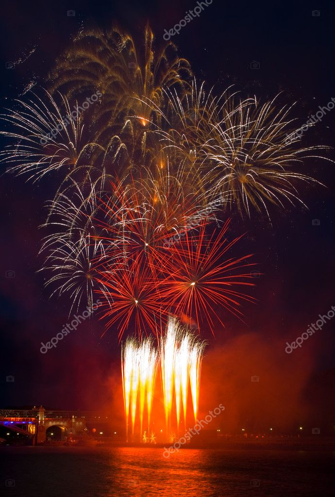 Fireworks with reflection — Stock Photo #1231775