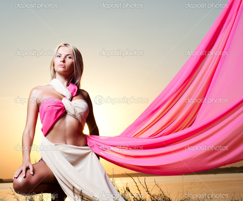 Женьшина с большо и розовп фото фото 649-824