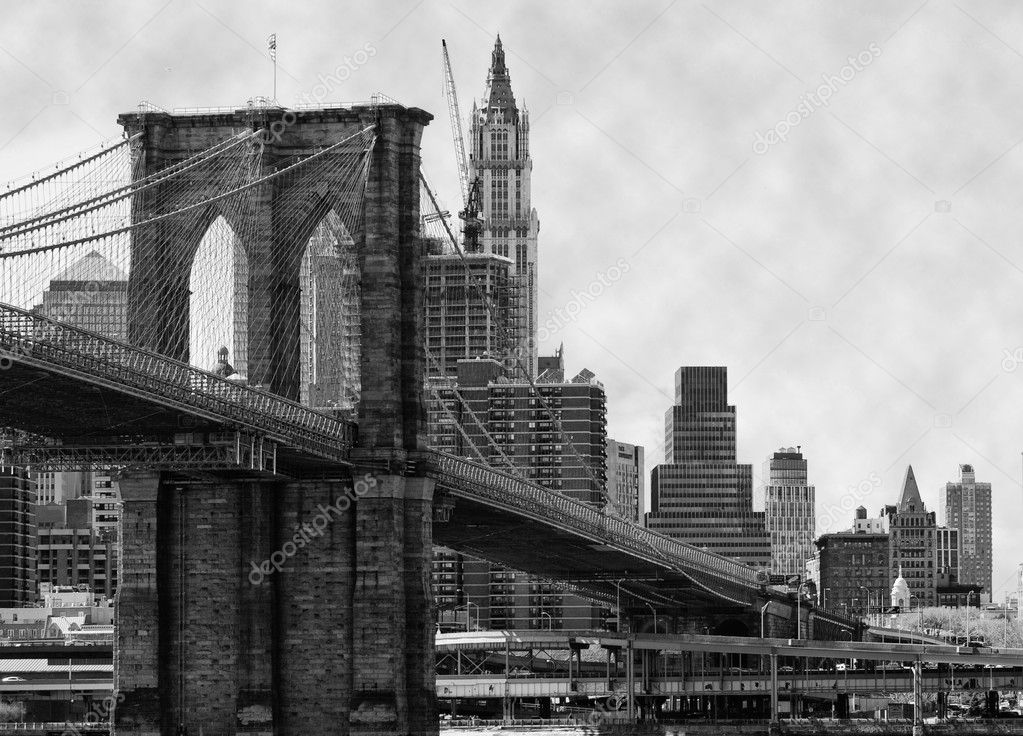 Brooklyn Bridge New York and East River — Stock Photo #1148621