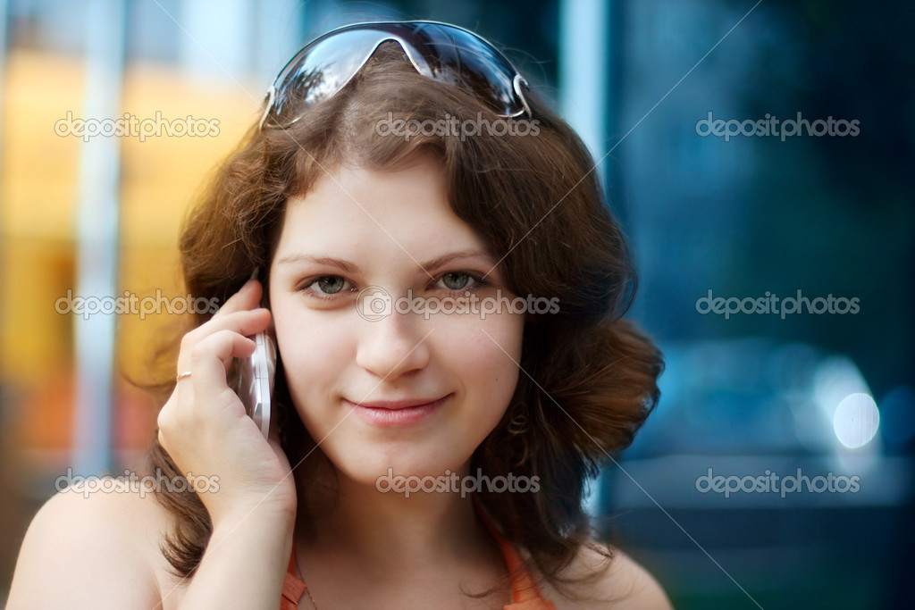 Portrait of young businesswoman with cellphone — Stock Photo #1169860