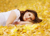 Autumn girl — Photo