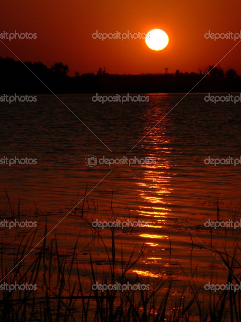The Sunset beside lake. — Stock Photo #1314681