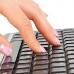 mão e teclado de computador — Foto Stock