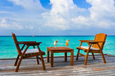 Two cocktails on table, beach cafe — Stock Photo