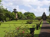 Taman Ayun Temple meadow — Stock Photo