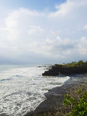 Tanah Lot Temple territory coastline — Stock Photo