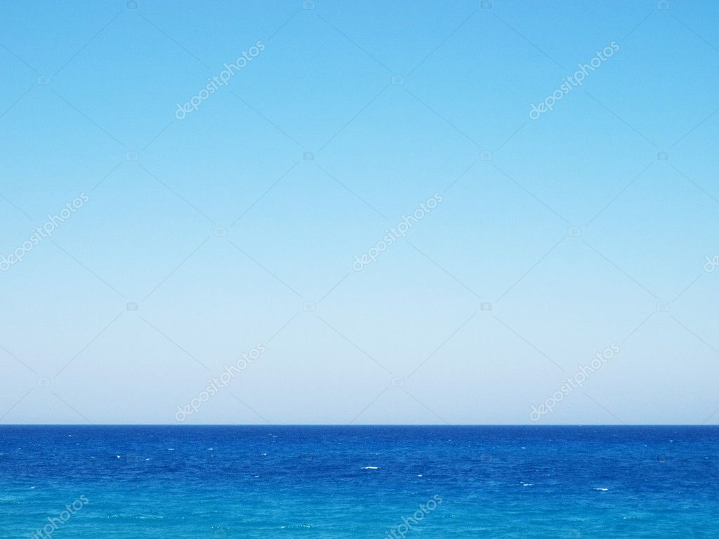 Mediterranean Sea. Clear wavy water surface and clear blue sky. — Stock Photo #1173593