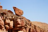 Picturesque unstable red rock in desert — Stock Photo