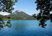 Alpine lake and mountains in Salzkammerg — Stock Photo