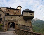 Gate of medieval castle in Austria — Stock Photo