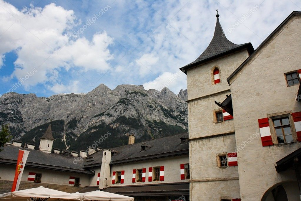 Towers of Hohenwerfen medieval castle on Alpine background — Stock Photo #2058389