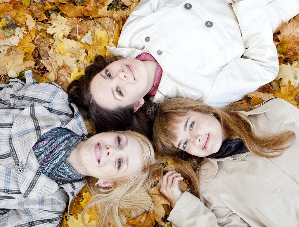 Three girls — Stock Photo #1250414