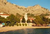Coucher de soleil dans station balnéaire adriatique — Photo