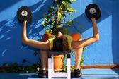 фитнес с гантелями — Стоковое фото