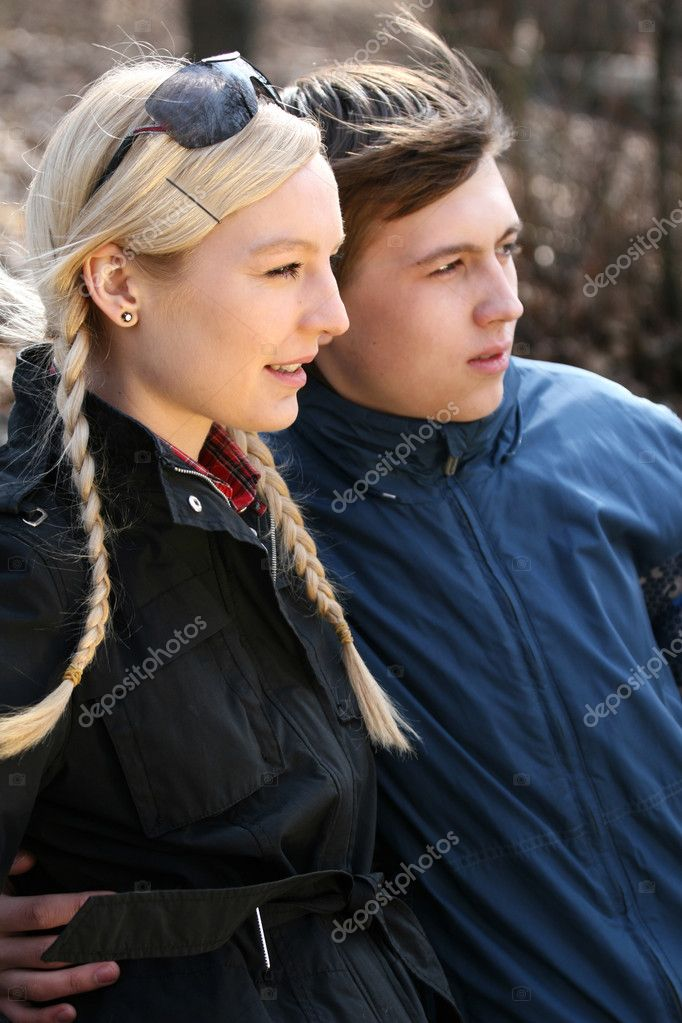 Young couple flirting in the park — Stock Photo #1607736