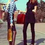 Shopping girls talking on the street — Stock Photo