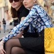 donne relax dopo lo shopping — Foto Stock