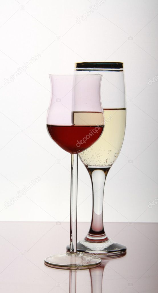 Two wine goblets to form miscellaneous — Stock Photo #1326445