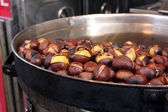 Roasted colorful chestnuts — 图库照片