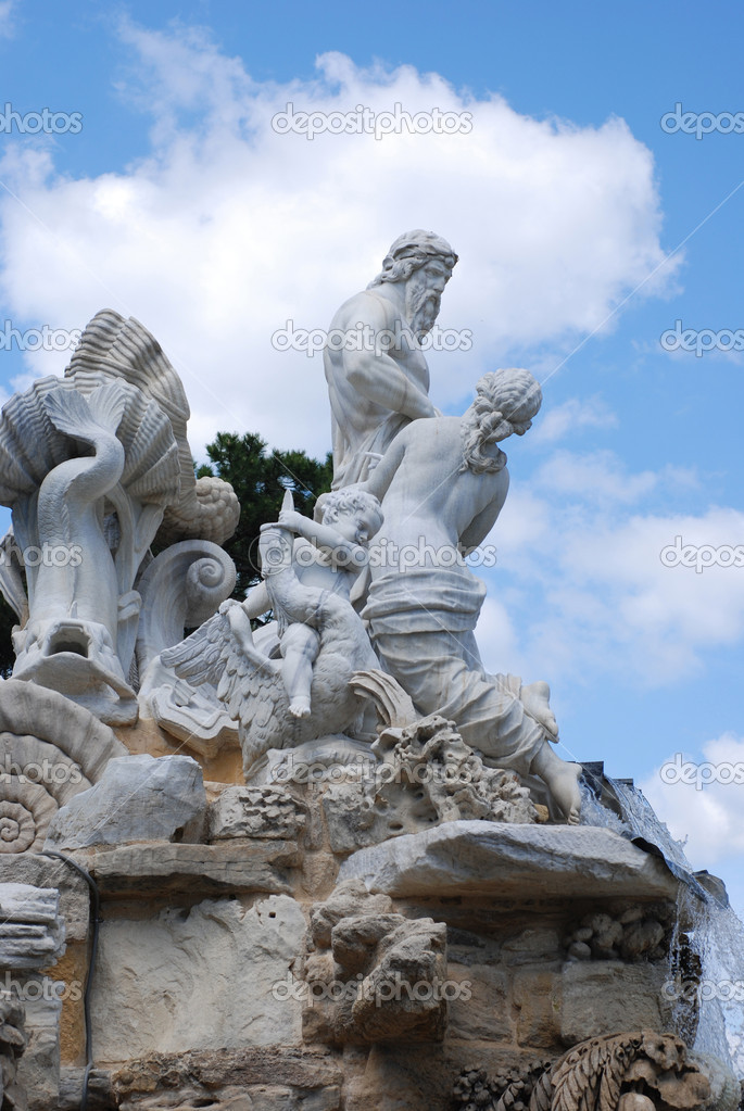 Neptune fountain in Schoenbrunn, Vienna, Austria  Foto Stock #1205445