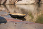 Traditional round boat of India — Stock Photo