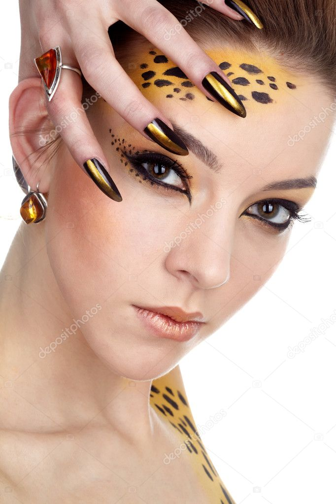 Close-up portrait of beautiful young european model in cat make-up and bodyart — Stock fotografie #1170837