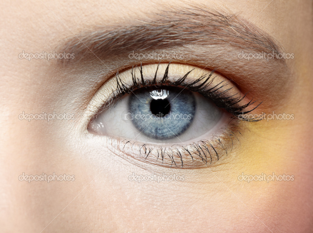 Close-up of girl's eye zone make-up — Stock Photo #1170866