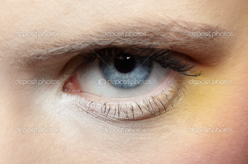 Close-up of girl's eye zone make-up — Stock Photo #1204930