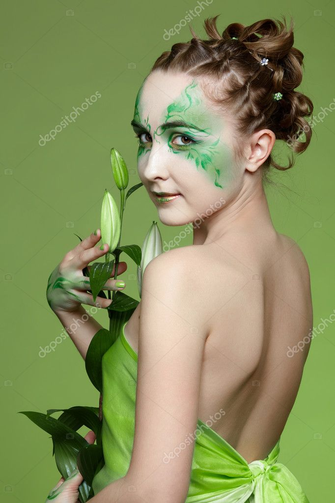 Portrait of beautiful elven girl with bodyart — Stock Photo #1278126