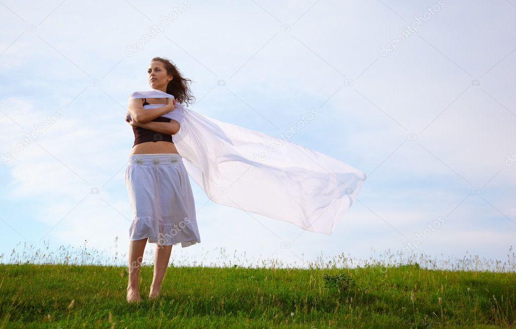 Girl with veil under wind — Stock Photo #1280219