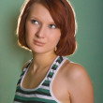 hübsches Mädchen mit roten Haaren — Stockfoto