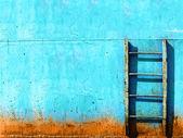 青いさびたビンテージ階段 — ストック写真