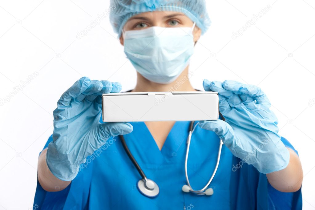 Portrait of the doctor and box with copy-space — Stock Photo #1356687