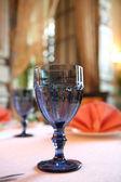 Modrý pohár na víno — Stock fotografie