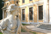 Vrouwelijke figuur, antieke beeldhouwkunst — Stockfoto
