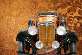Luxury vintage car — Stock Photo