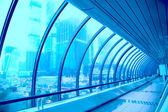 Геометрические коридор современного здания — Стоковое фото