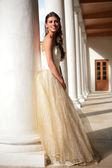 Galeri altın elbise Prenses — Stok fotoğraf