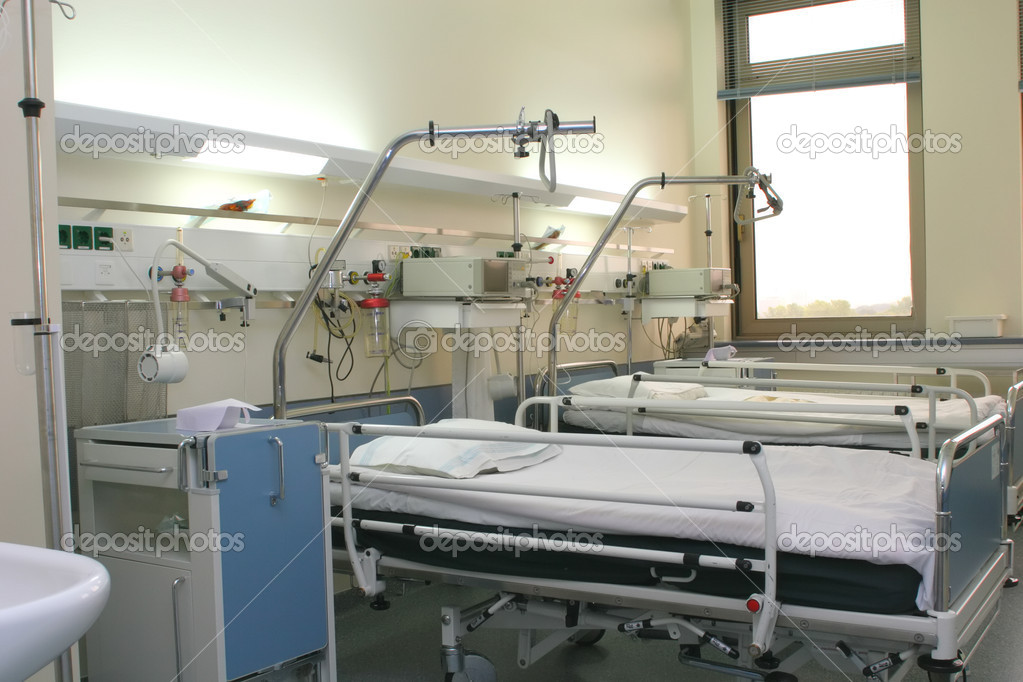 Hospital room with cardiology equipment and window  Stockfoto #1414192