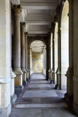 Colonnade with thermal water at Karlovy Vary, Czech Republic — Stock Photo