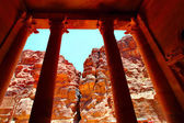 Treasury temple at Petra — Stock Photo